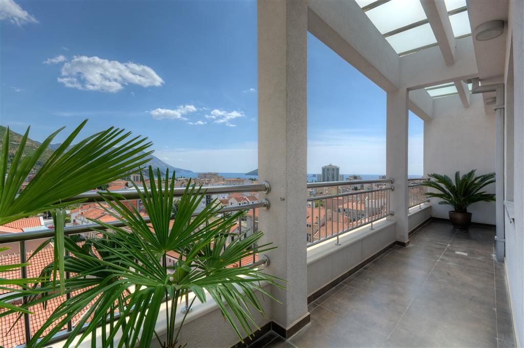 Budva, Mainski Put – two bedroom penthouse, 105m2, with a panoramic view of the sea