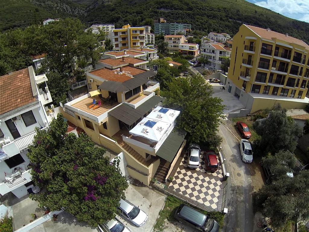 Budva, Petrovac –mini hotel sa 8 apartmana