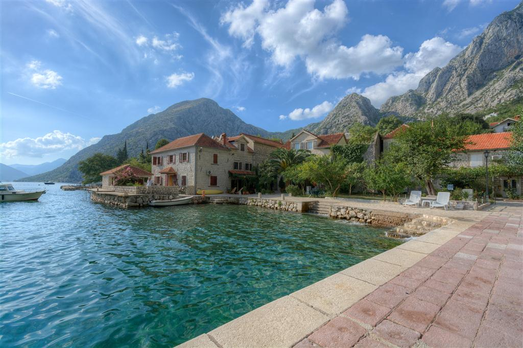 Kotor, Orahovac – stone villa on the first line to the sea