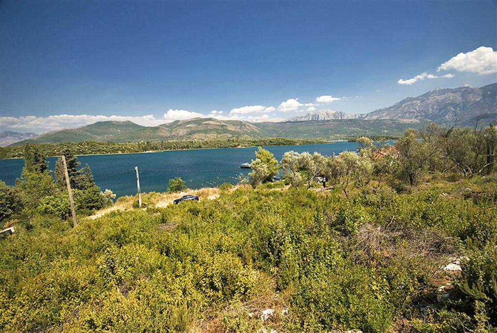 Tivat, Djurasevici – urbanized land with beach access, 21.000 sqm