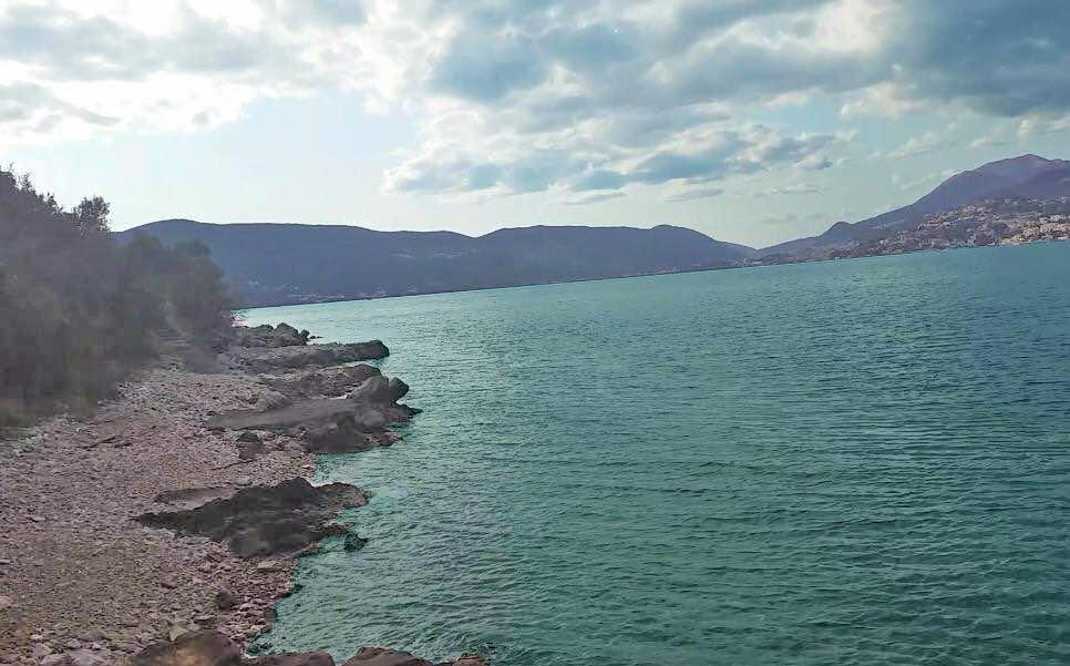 Herceg Novi, Rose  -plac 3,075m2, na prvoj liniji do mora