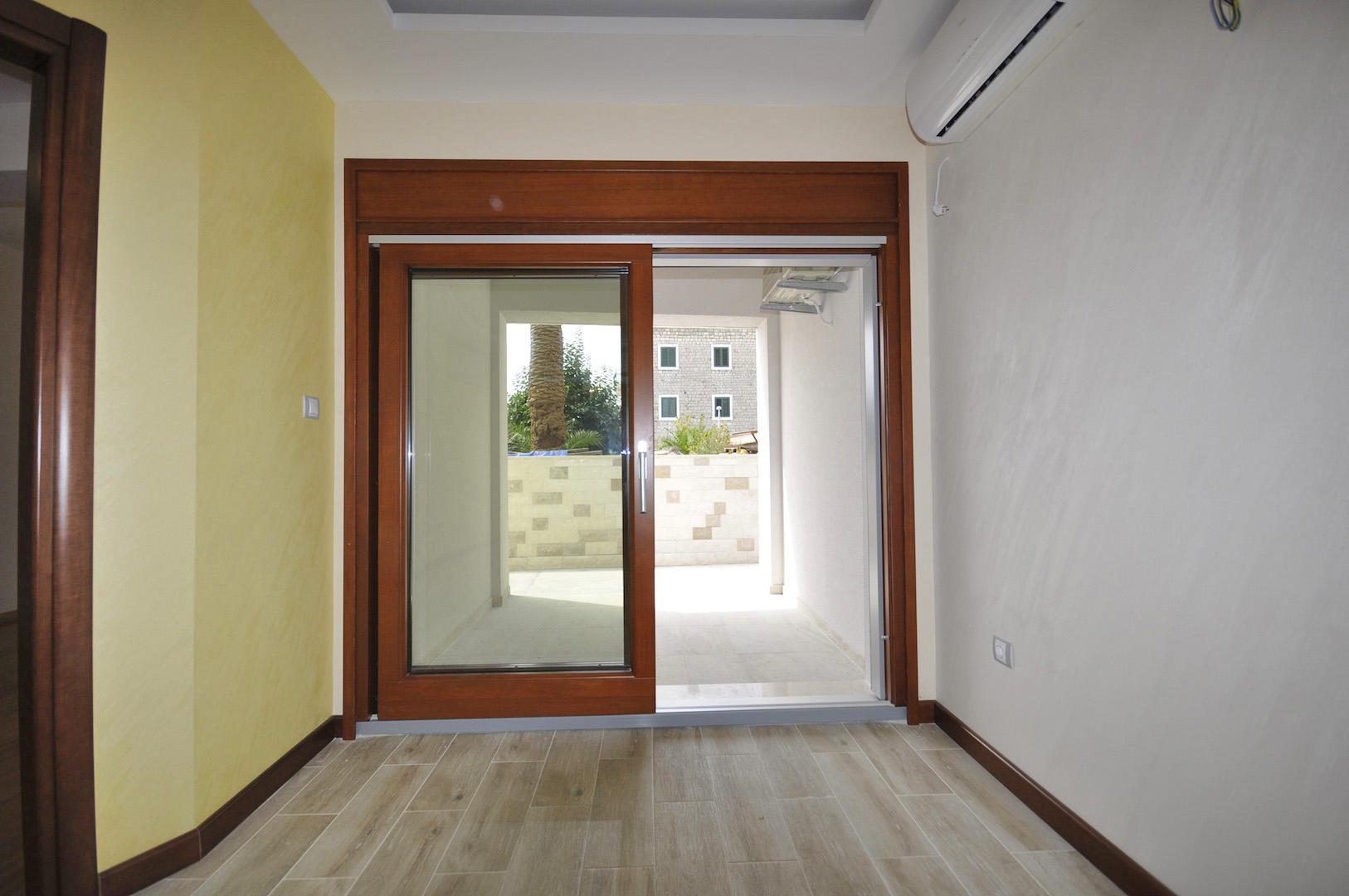 Herceg novi meljine luxury apartments 37m2 90m2 on for Apartment design 90m2