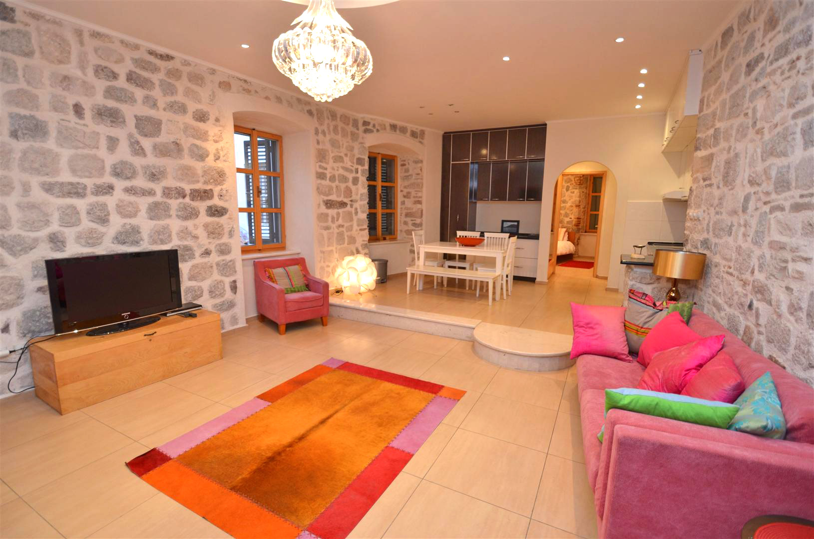 Kotor, Stari Grad – ekskluzivan apartman sa četiri spavaće sobe