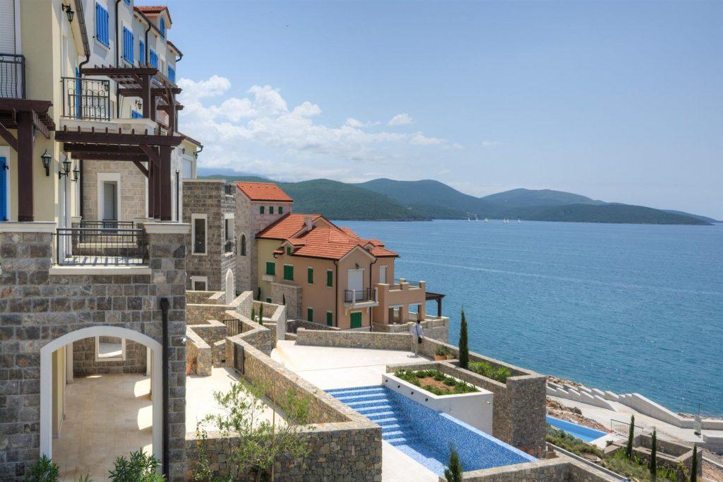 Tivat, Luštica Bay – jednosoban apartman 76m2, prva linija do mora