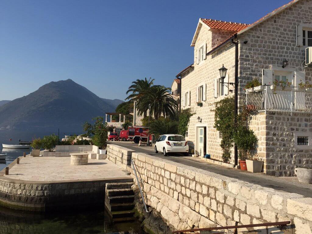 Kotor, Perast – autentična kamena vila na prvoj liniji do mora