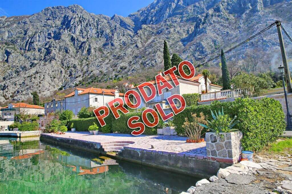Kotor, Ljuta - authentic waterfront villa, on the land plot of 2108m2