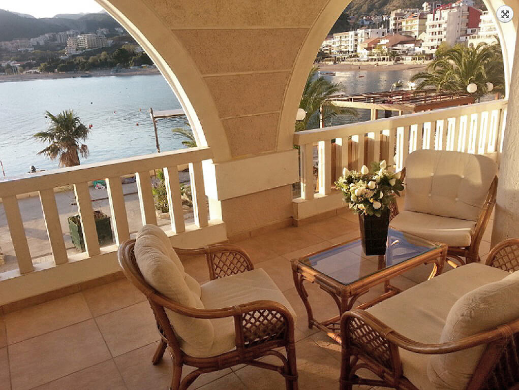 Budva, Rafailovici - two bedroom apartment 82m2, first line to the sea