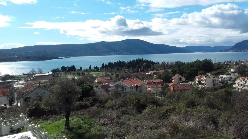Tivat, Zupa - urbanized plots 302m2-705m2, with excellent views of the sea