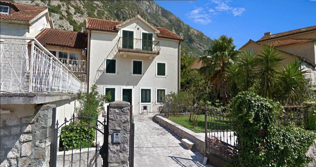 Kotor, Ljuta – vila 181m2, prva linija do mora