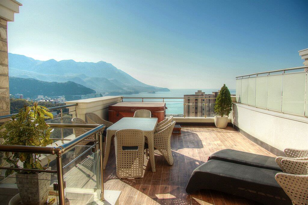 Budva, Becici - luxury apartment 105m2, with panoramic sea views and a swimming pool