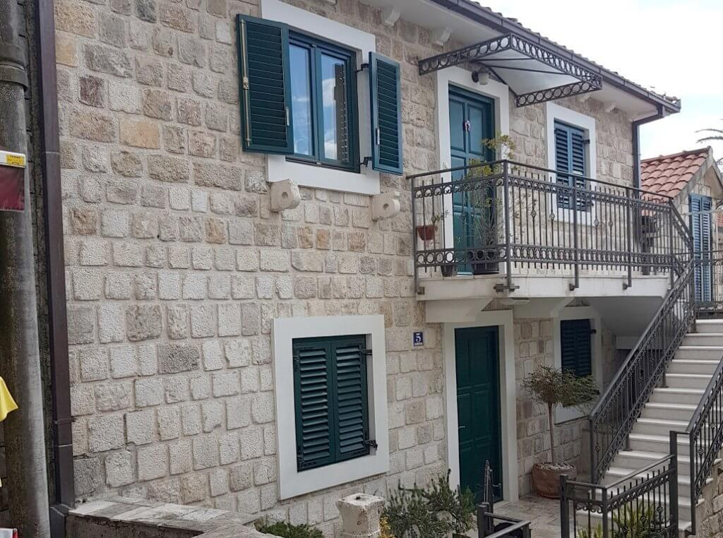 Herceg Novi, Old Town – stone house near the main square, with sea view