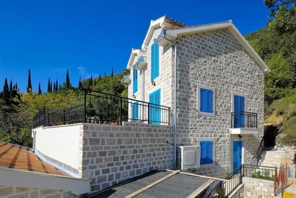 Herceg Novi, Lucici - authentic stone villa with swimming  pool and sea view