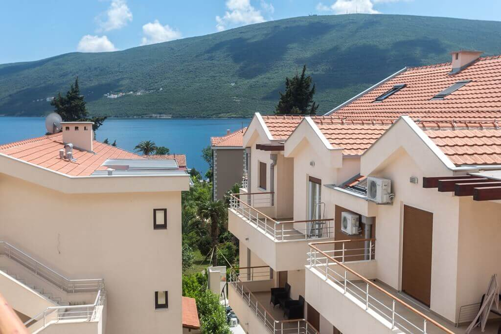 Герцег-Нови, Дженовичи — меблированная двухкомнатная квартира 46м2, недалеко от моря
