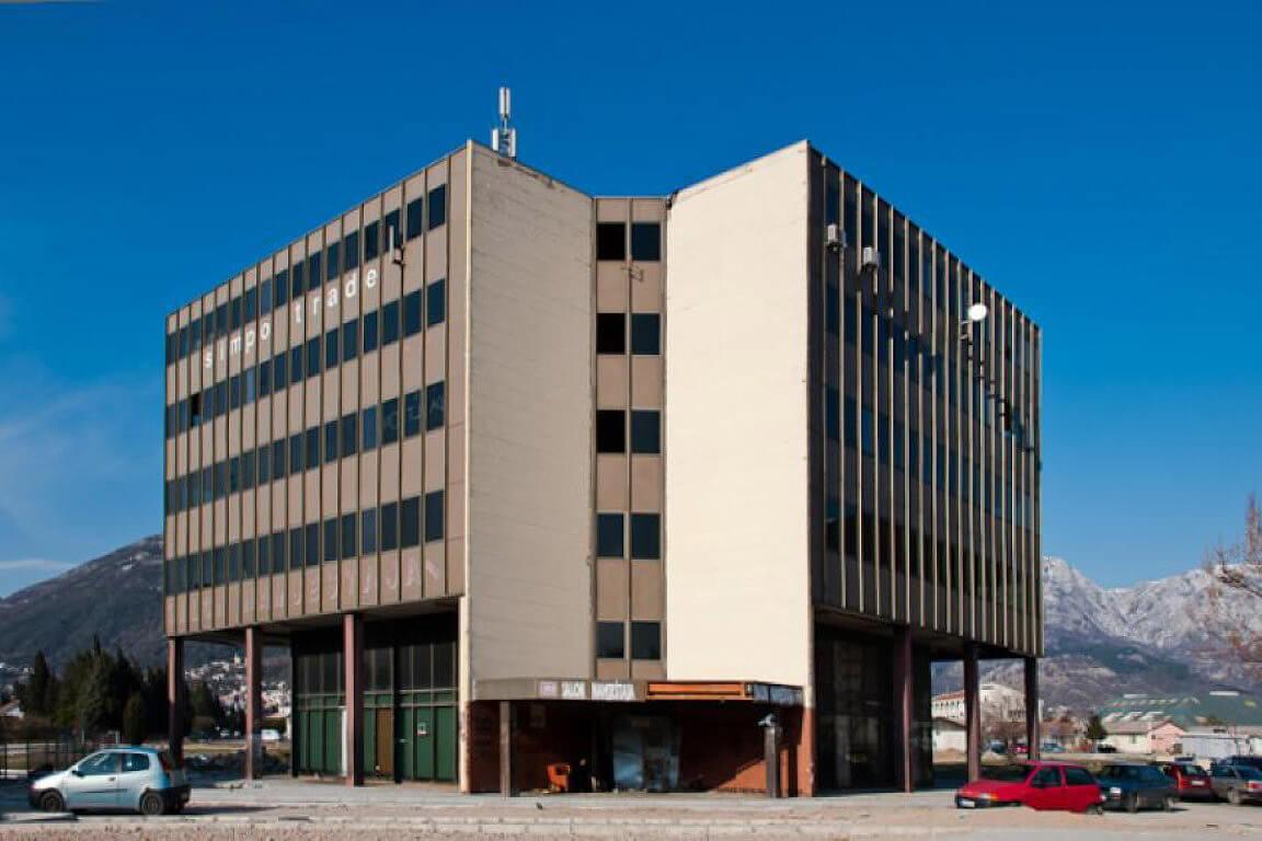 Bar, Topolica – poslovna zgrada 3,601m2, iza Opštine Bar