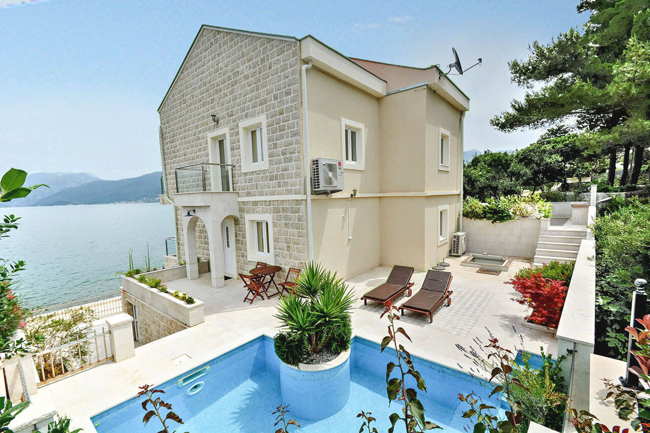 Tivat, Krasici – new beachfront stone house, with swimming pool