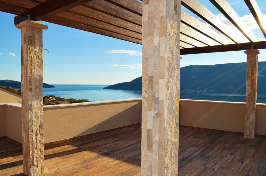 Herceg Novi, Topla – duplex penthouse in luxury complex with four swimming pools