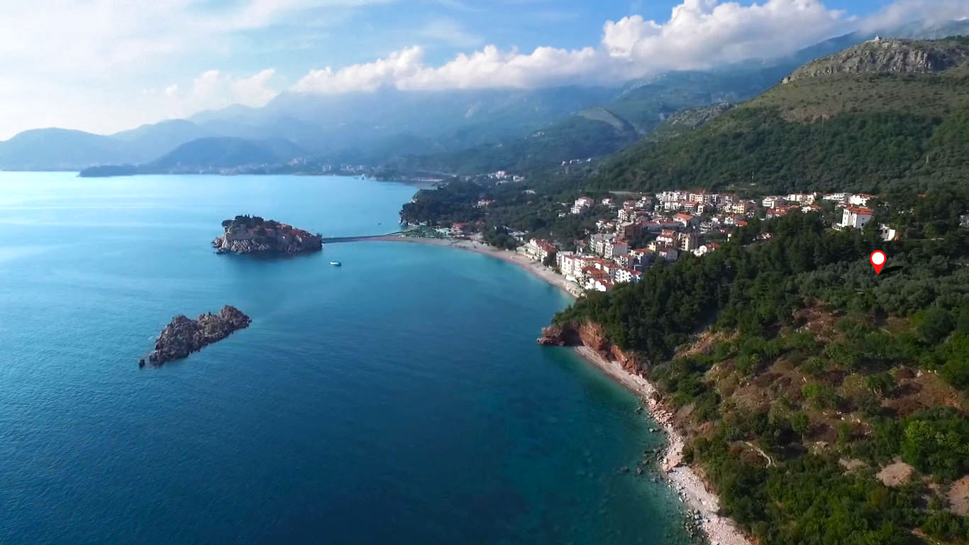 Budva,  Sveti Stefan – urbanized land of 1,548m2, near the sea