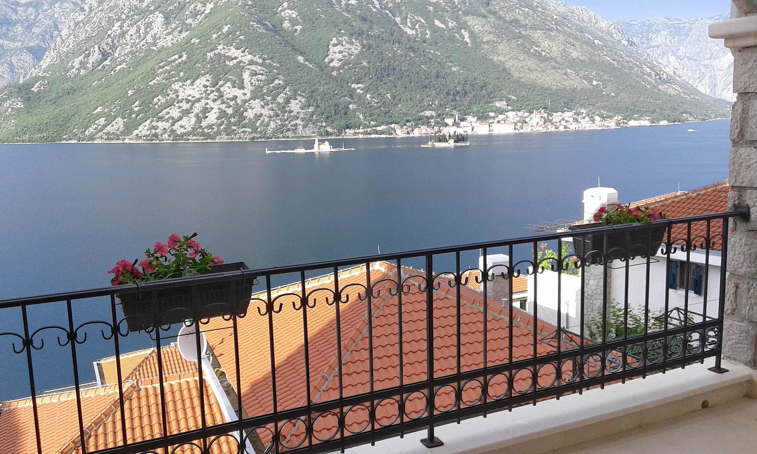 Kotor, Kostanjica – dvosoban apartman sa otvorenim pogledom na more