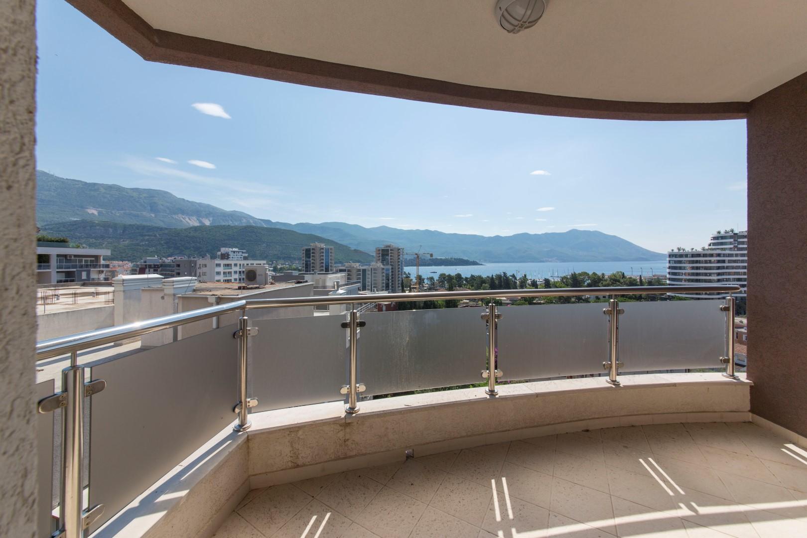 Будва, Госпоштина — четырехкомнатная квартира 83m2 с видом на море