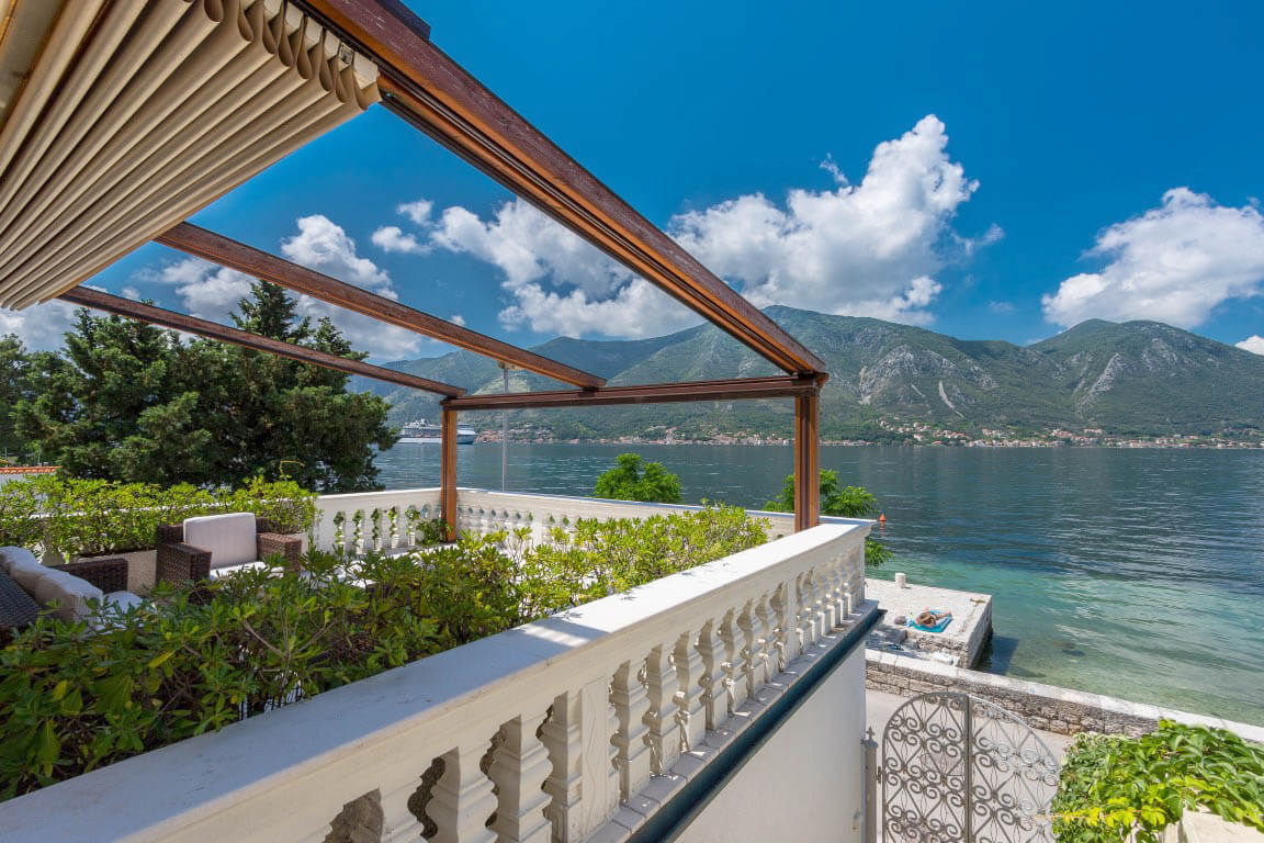 Kotor, Dobrota  – waterfront villa with a jetty and a garage