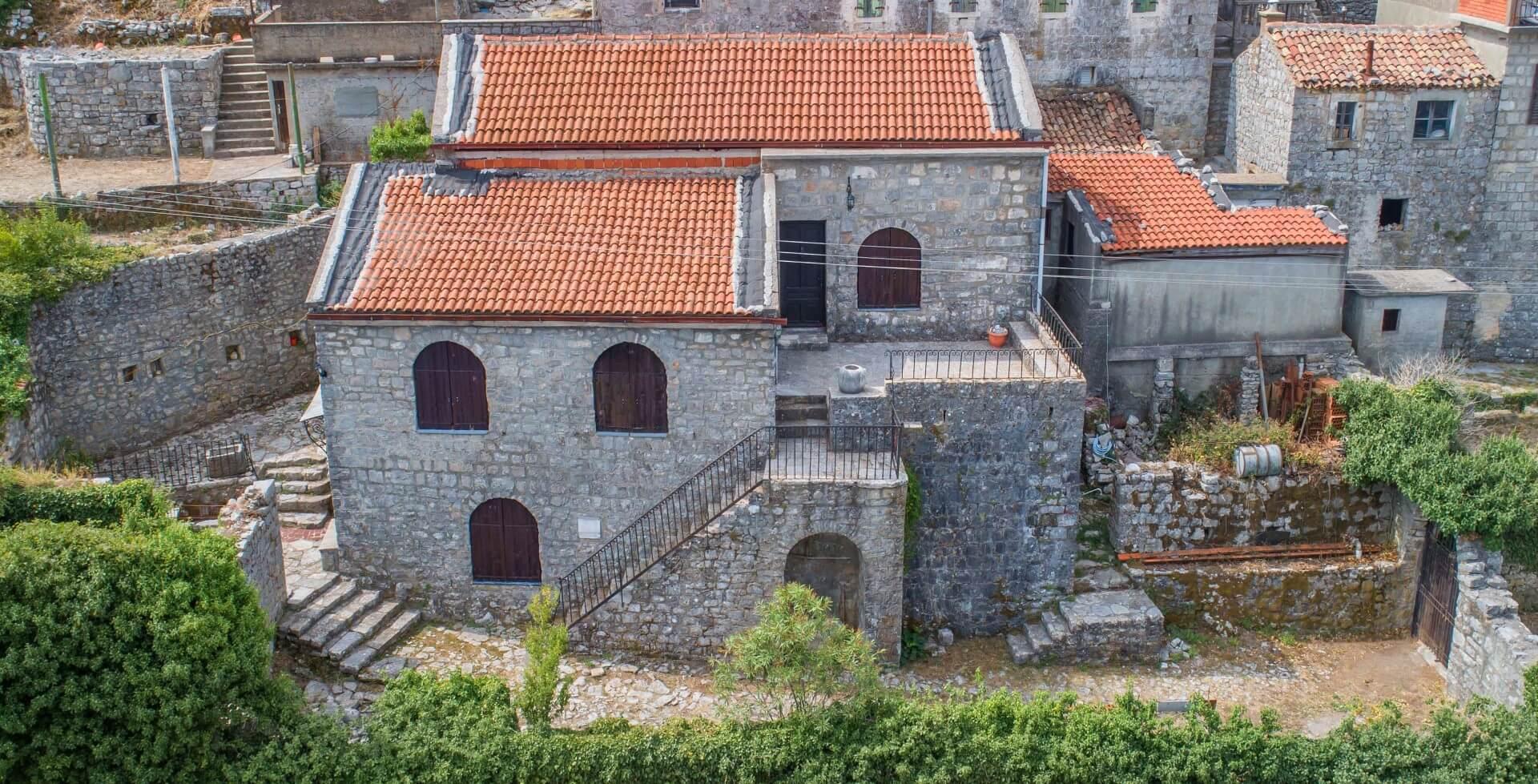 Luštica, Zabrđe – autentična kamena kuća iz 16. vijeka, sa izuzetnim pogledom na more