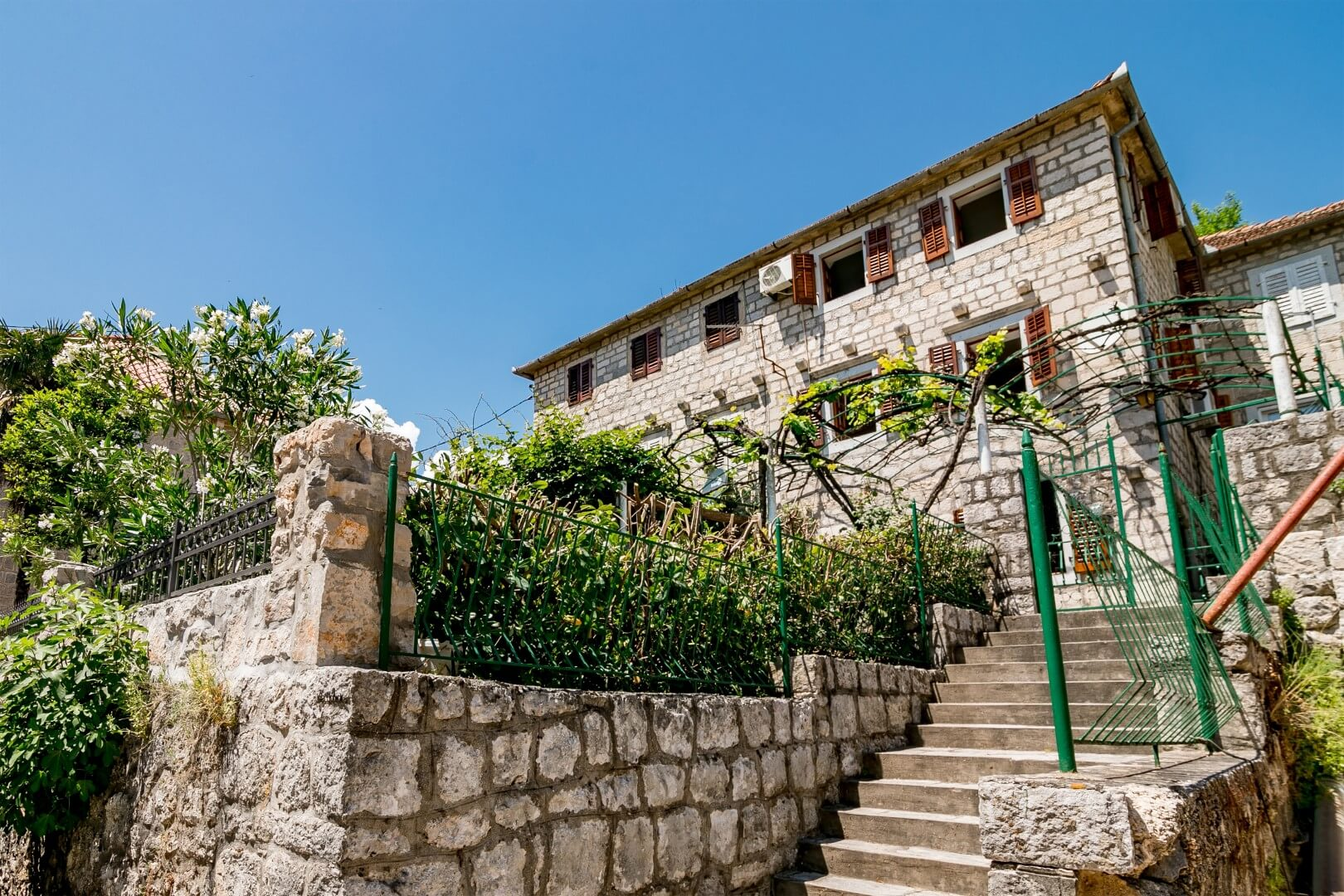 Kotor, Perast – renovated stone house 20m from the sea