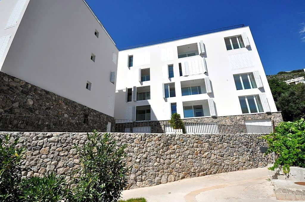 Budva, Pržno – dvosoban apartman 72m2, pored hotela Maestral