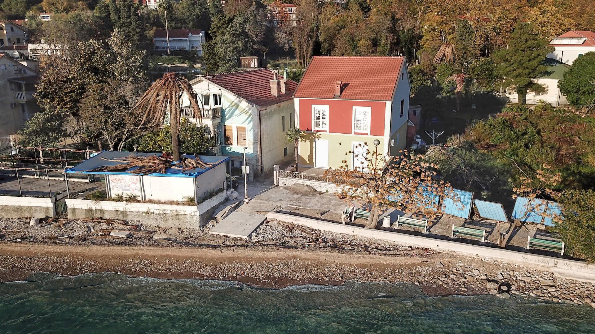 Herceg Novi, Meljine – trosoban apartman na prvoj liniji do mora