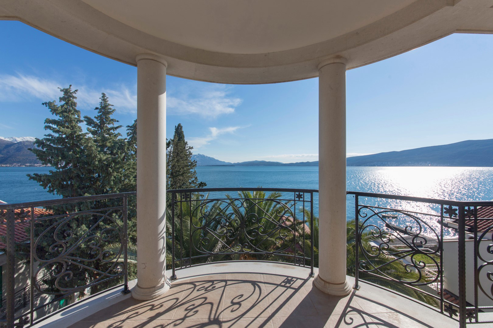 Herceg Novi, Bijela – complex of two villas on the first line to the sea