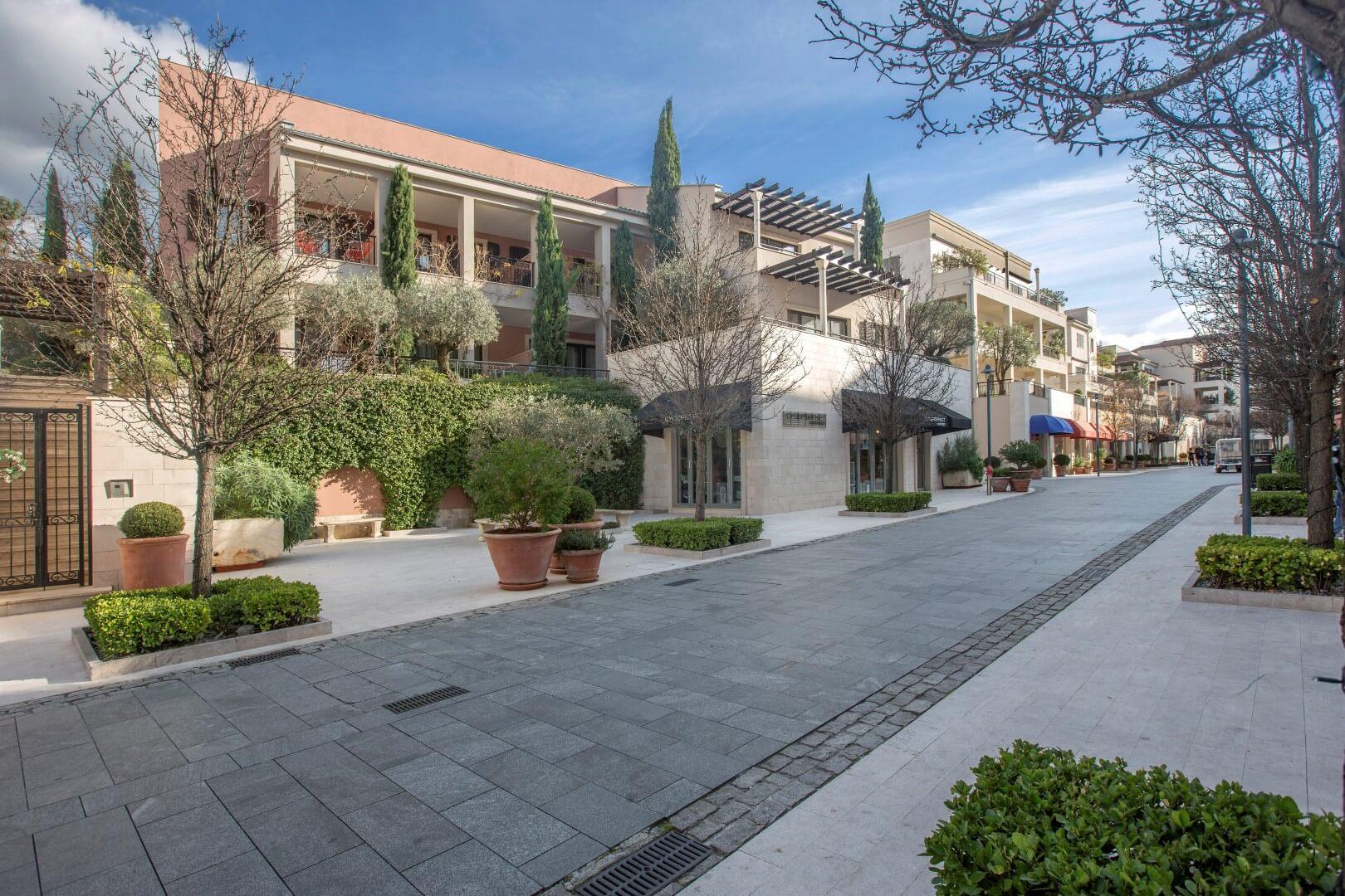 Тиват, Порто Монтенегро — четырехкомнатная квартира 160м2, здание Милена