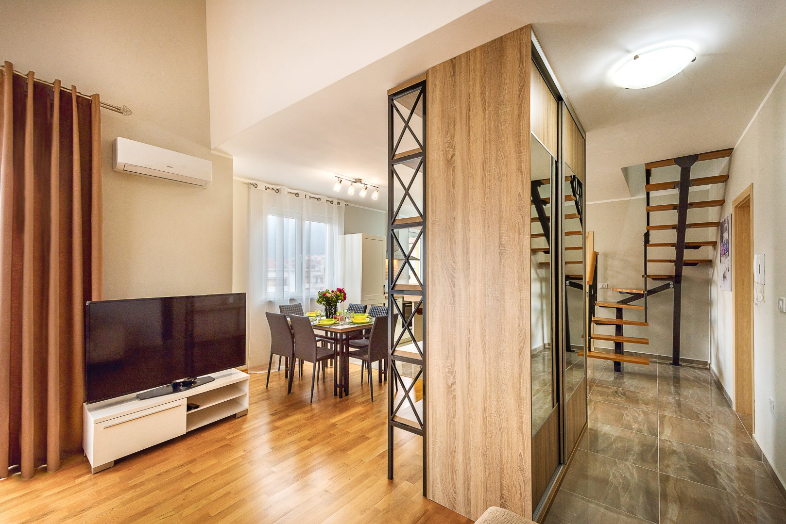 Budva, Rozino – namješten trosoban dupleks apartman