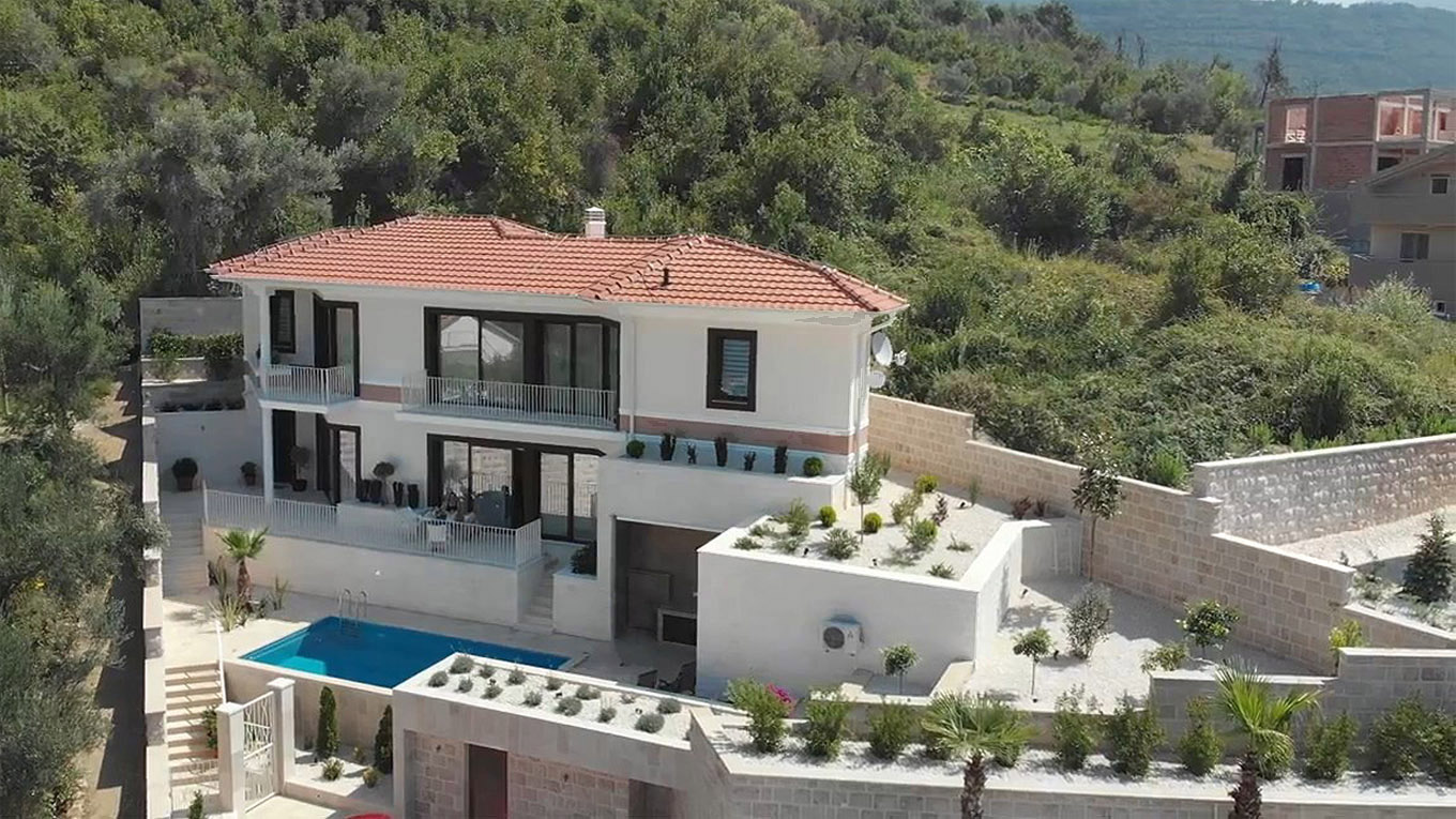 Tivat, Kava – new villa with a swimming pool and panoramic view of the Tivat bay