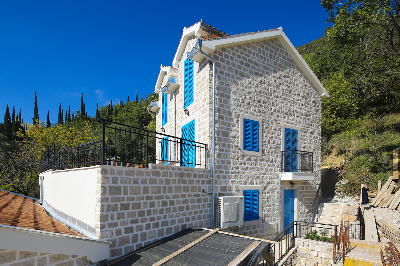 Herceg Novi, Lucici – authentic stone villa with swimming  pool and sea view