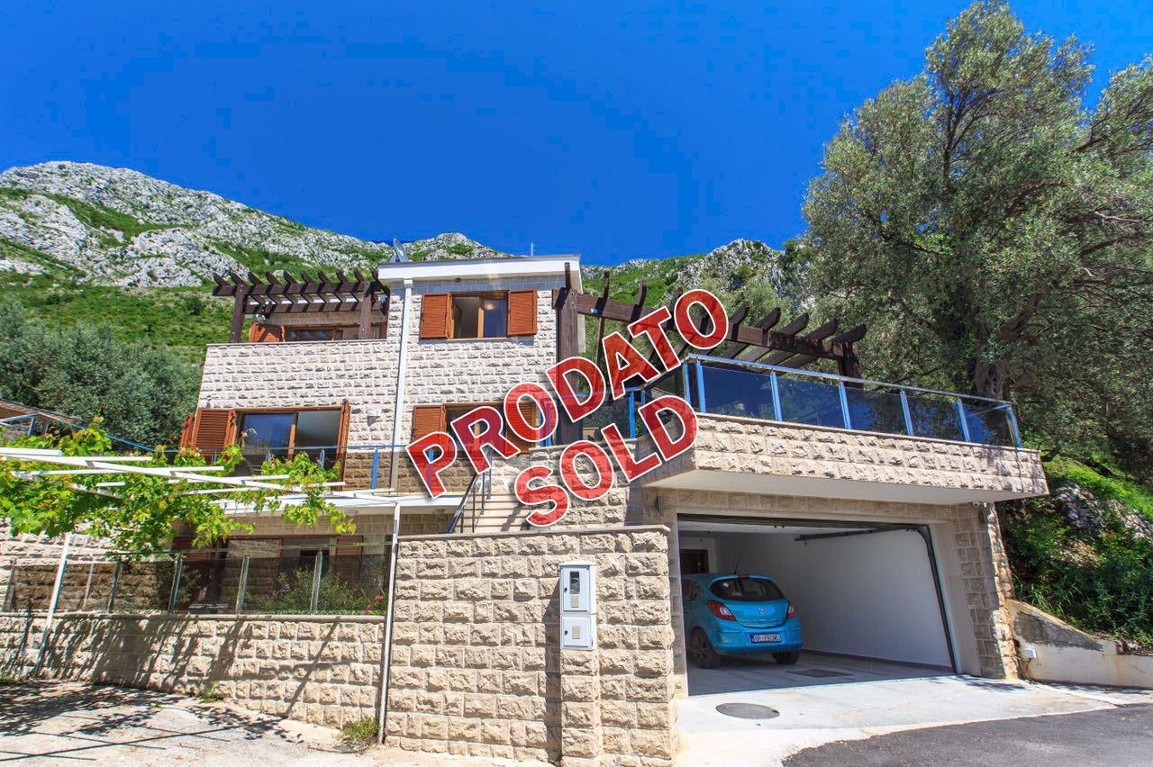 Budva, Rijeka Rezevici – luxury house with swimming pool, in Mediterranean style