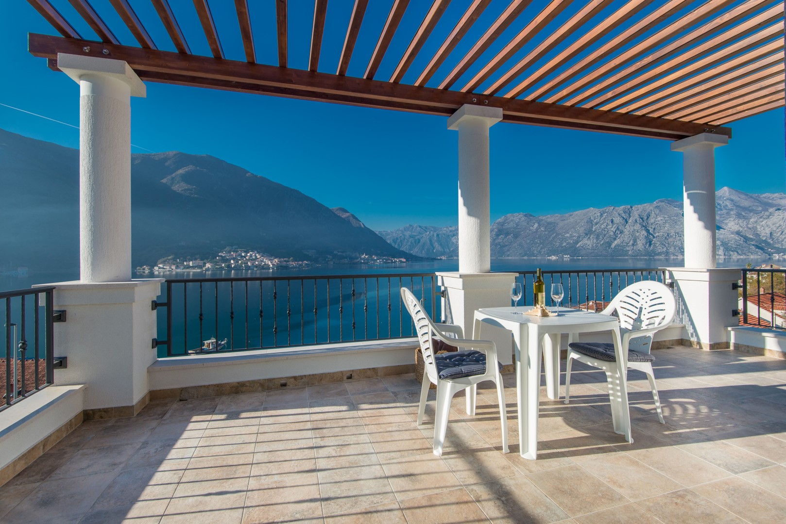 Kotor, Dobrota – large luxury villa, with magnificent sea view