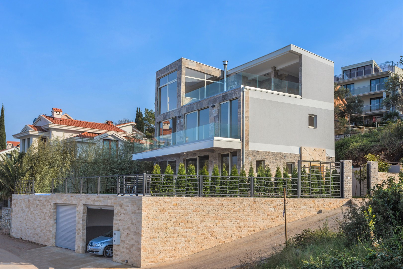 Tivat, Krašići – contemporary new villa, on the first line to the sea