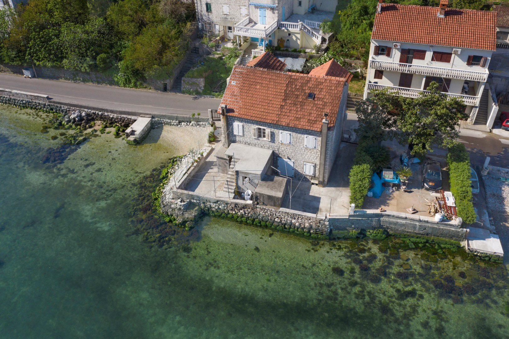 Kotor, Prcanj – semi-detached stone house on the first line to the sea