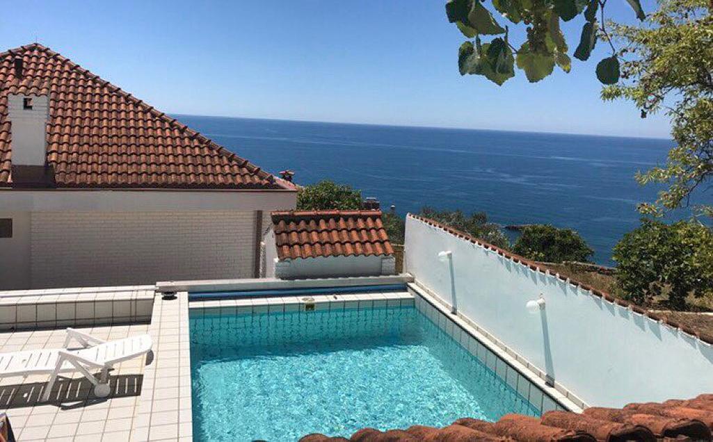Ulcinj, Meterizi – dvije kuće sa bazenom i panoramskim pogledom na more