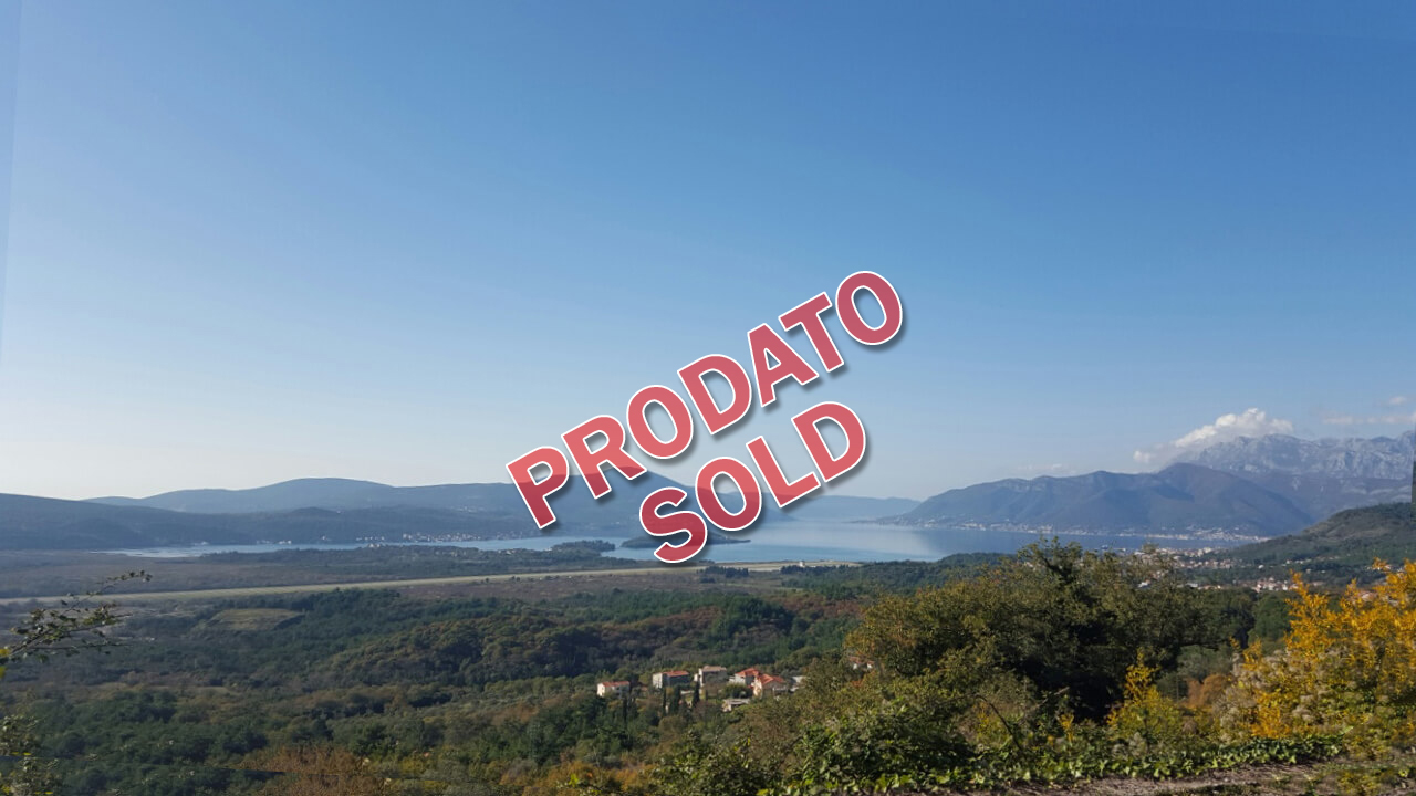 Kotor, Kavac – urbanized land with panoramic sea view