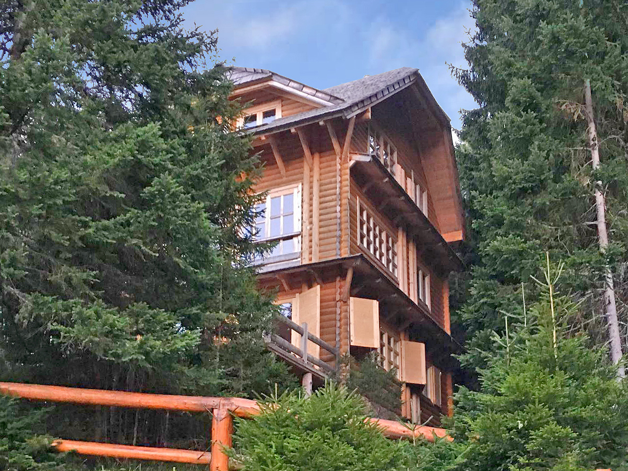 Zabljak – chalet with three independent apartments