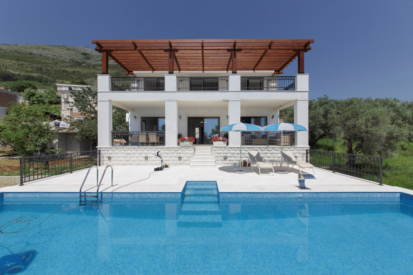 Budva, Katun Rezevići - villa with pool and panoramic sea view