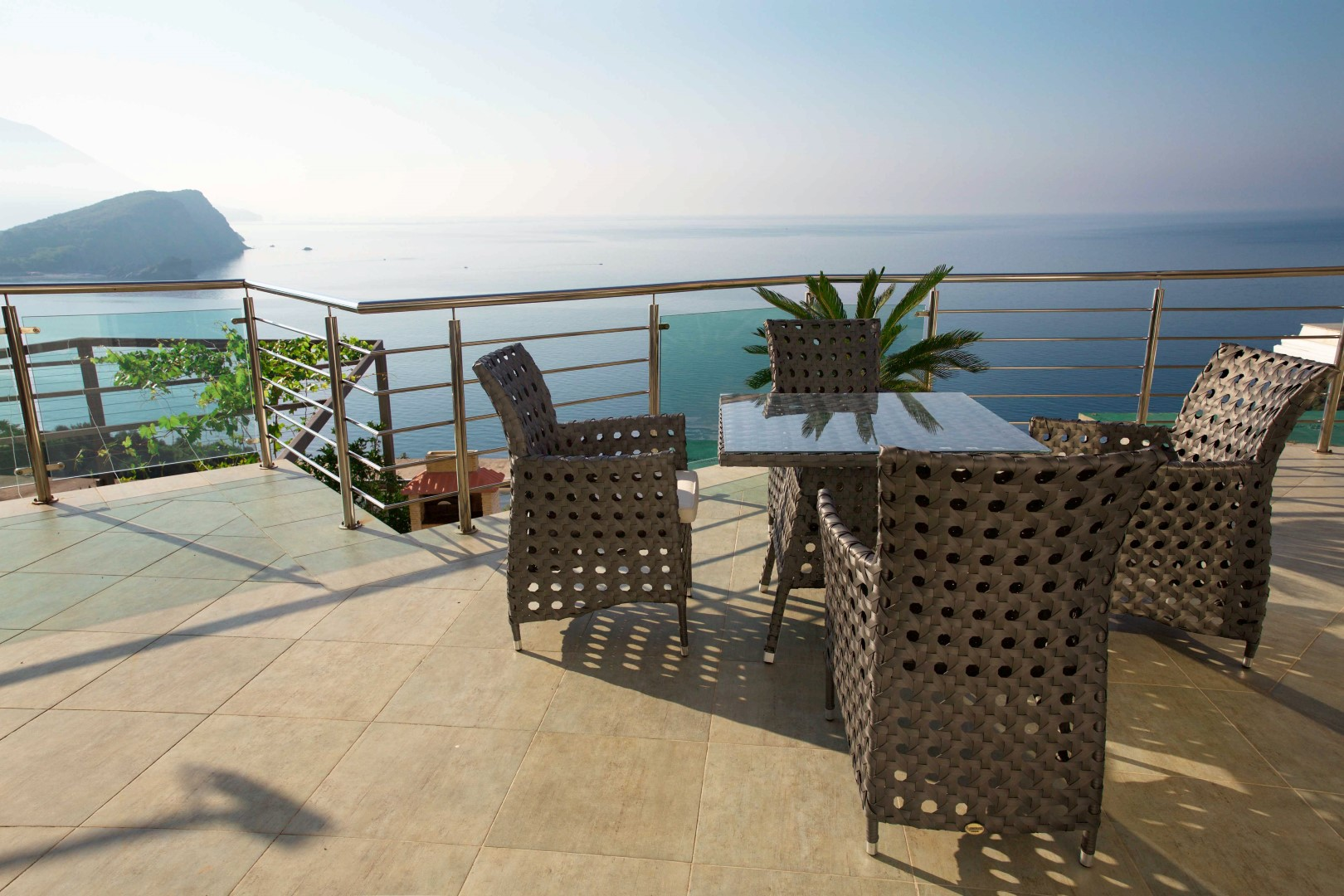 Budva, Vidikovac – exclusive three-level apartment with pool and panoramic sea view