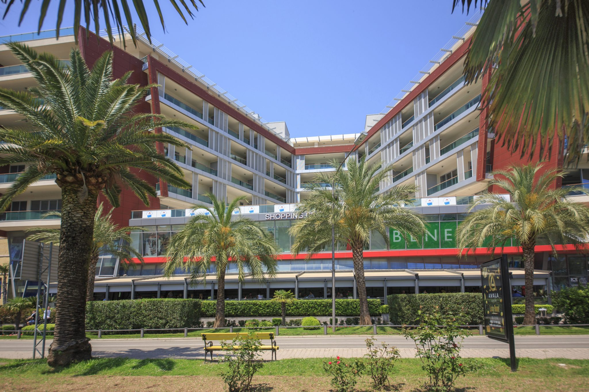 Budva, center – two bedroom apartment in TQ Plaza complex