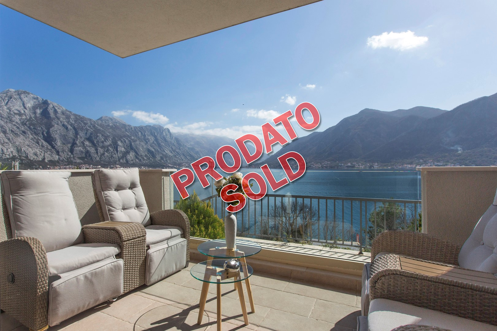Kotor, Drazin Vrt – two-bedroom apartment with yard and panoramic sea view