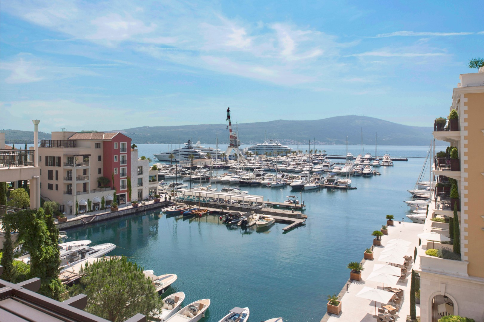 Tivat, Porto Montenegro – penthouse apartment with pool and open sea views
