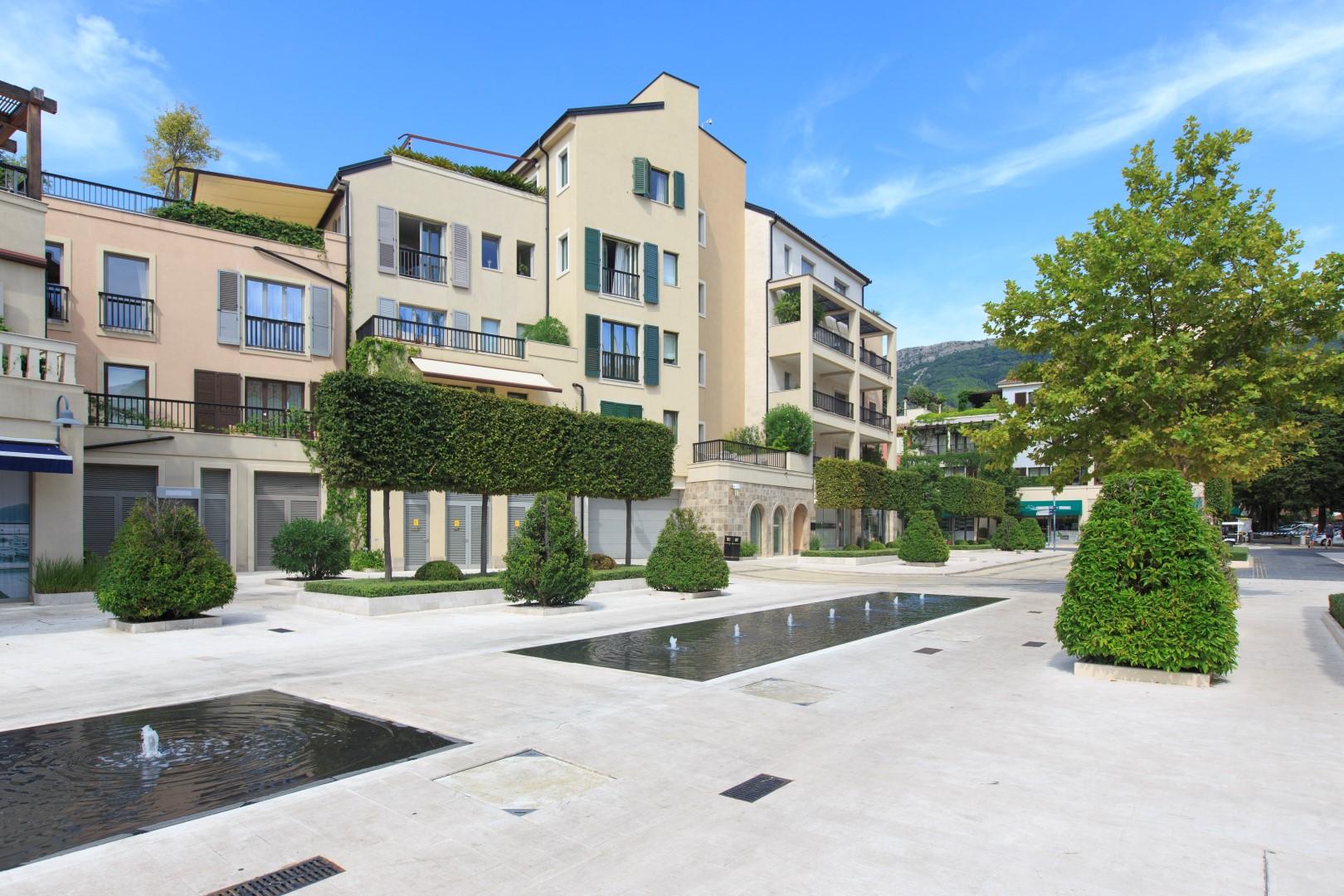 Тиват, Порто Монтенегро — трехкомнатная квартира с видом на море