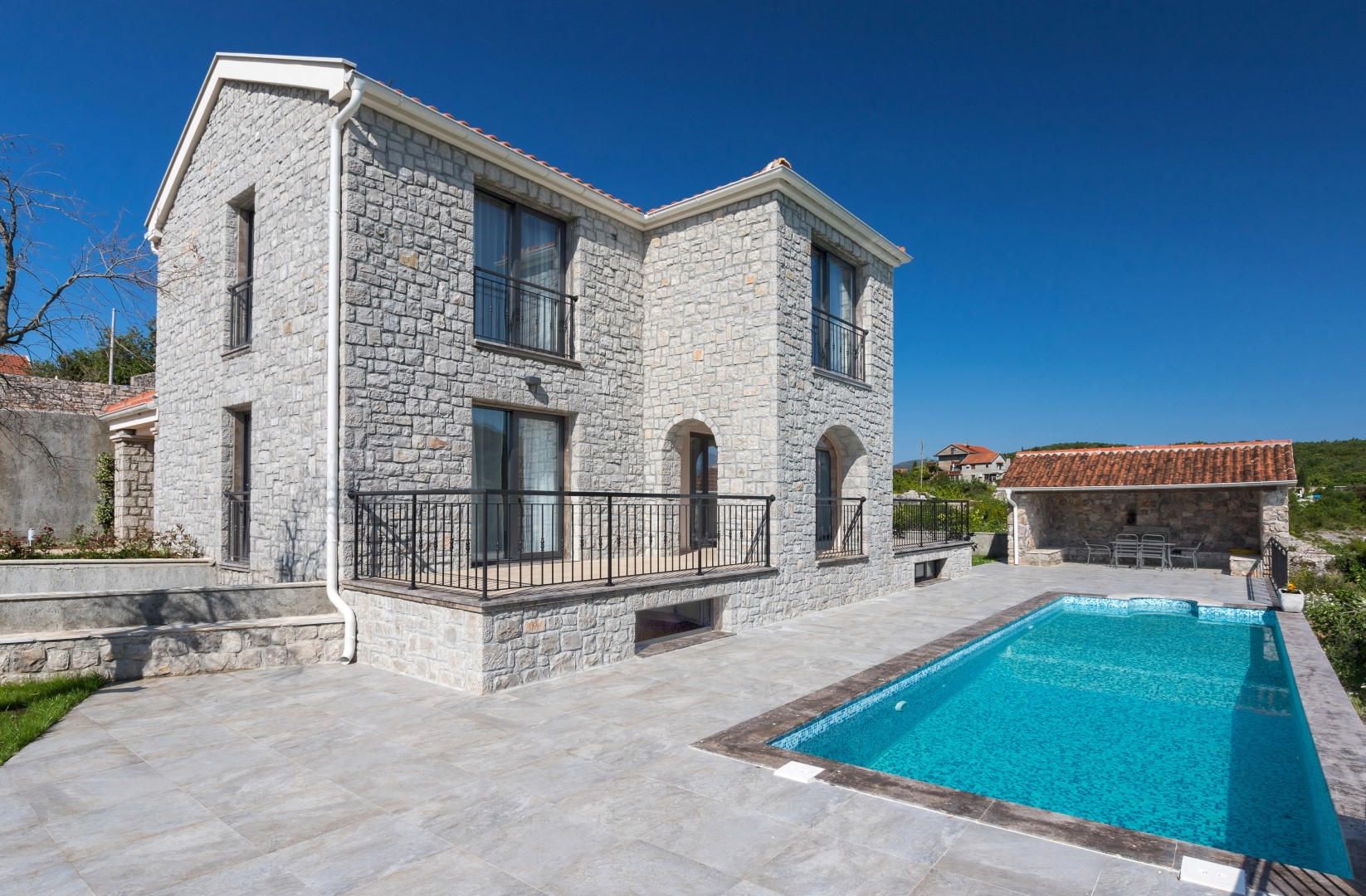 Tivat, Djurasevici – new stone villa with swimming pool