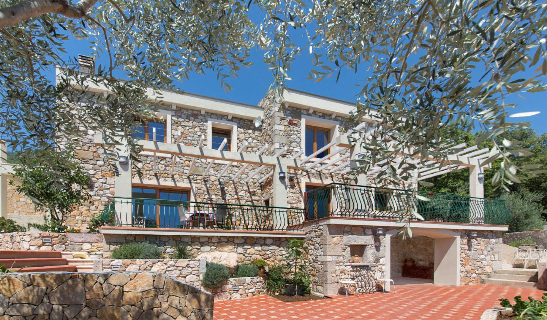 Budva, Buljarica – new stone villa with panoramic sea views