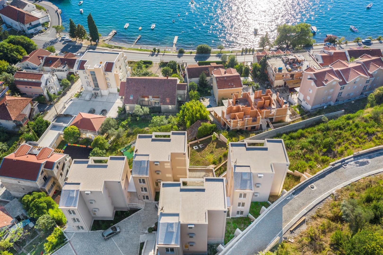 Tivat, Donja Lastva – novi dvosobni apartmani s panoramskim pogledom na more