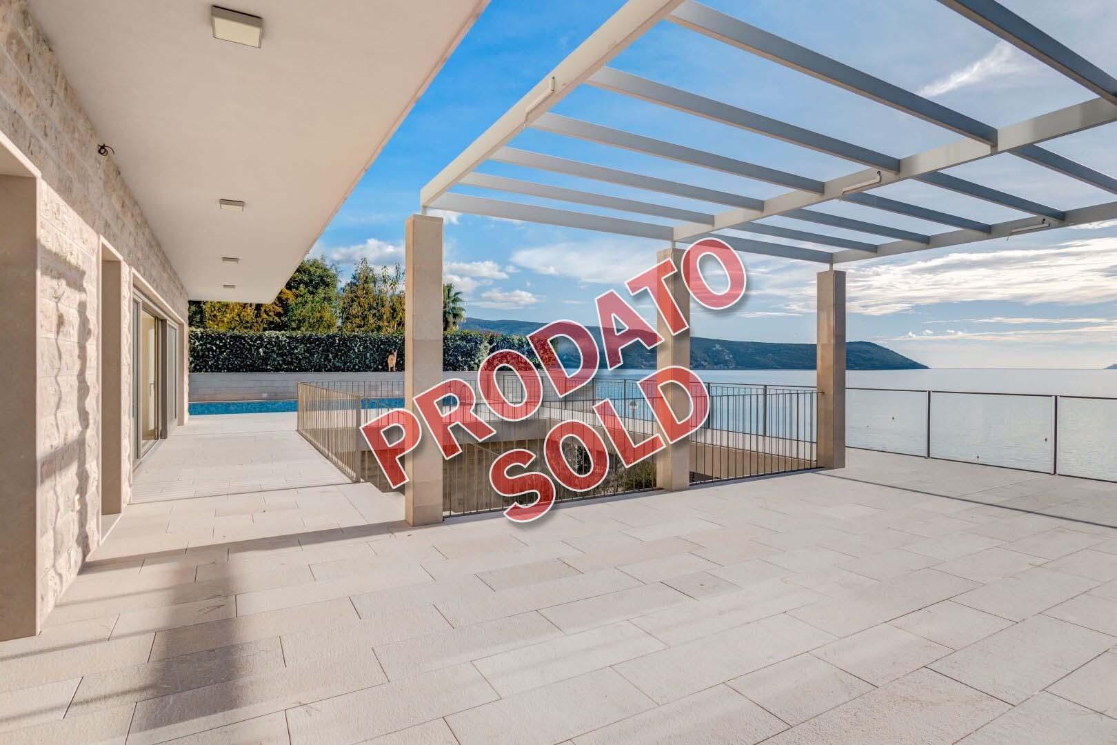 Herceg Novi, Savina – luksuzna vila na prvoj liniji do mora